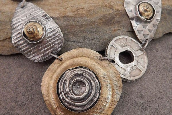 button-snails-and-washers-clare-bridge-art400-2021